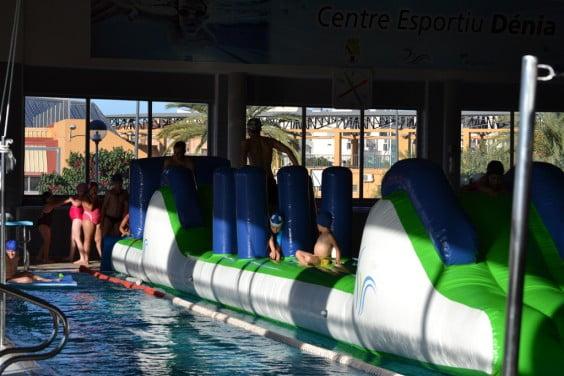 Piscina del Centro Deportivo Dénia y actividades infantiles