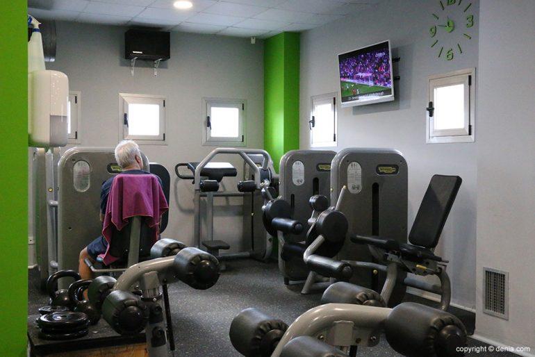 Máquinas piernas Centro Deportivo Dénia