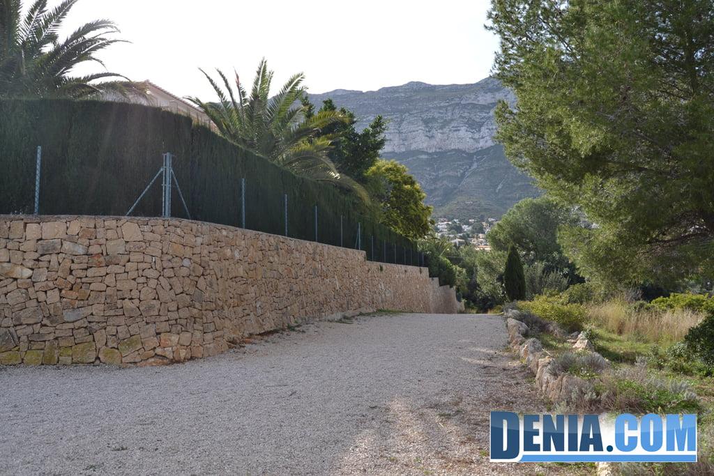Acceso a la Ermita de Santa Lucía desde la Residencia de ancianos