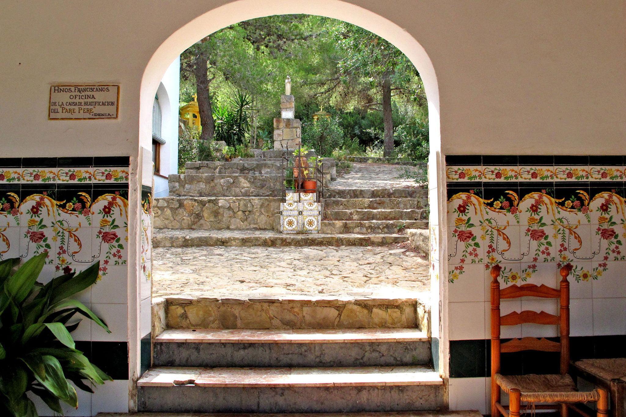 Arco en la Ermita del Pare Pere de Dénia