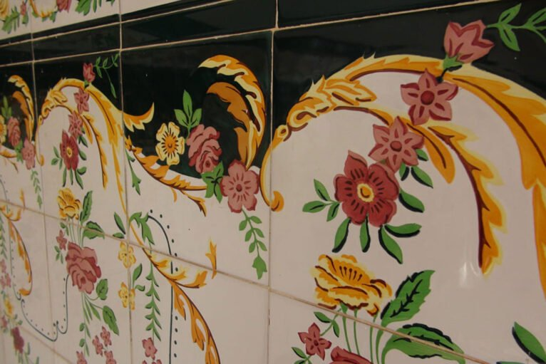 Detalle de los azulejos de la Ermita del Pare Pere
