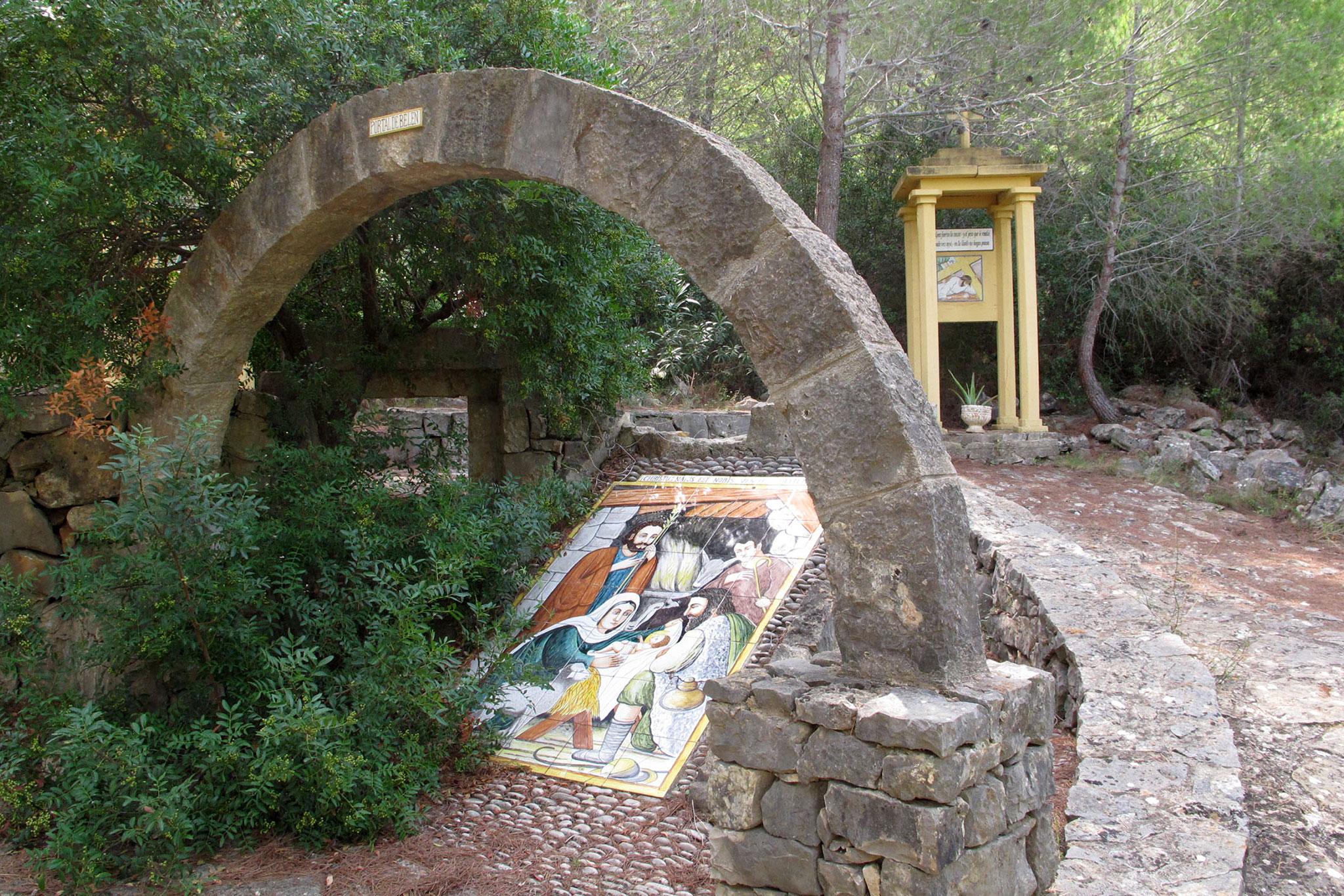 Detalle del Via Crucis de la Ermita del Pare Pere