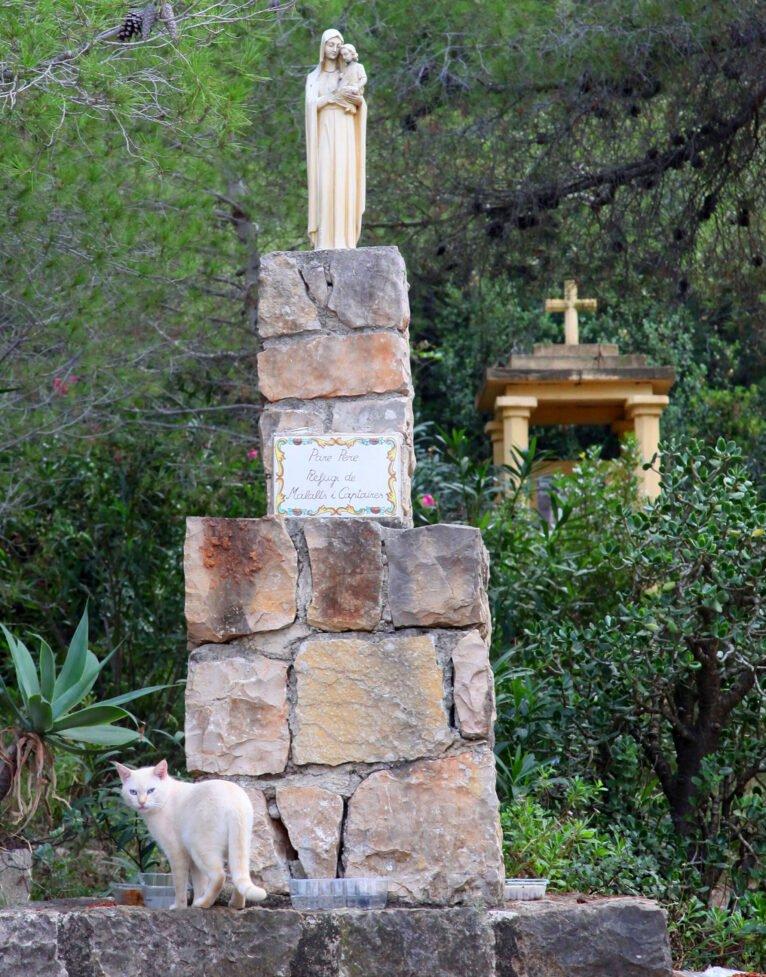 Estaciones del Vía Crucis del Pare Pere