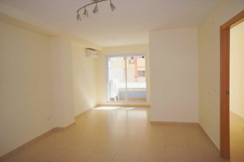 piso en pleno casco urbano con garaje subterr neo por 400