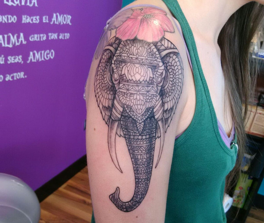 Tatuatges a Dénia - As Meigas Tattoo & Piercing - Elefant