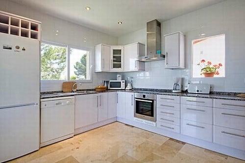 Espectacular villa con suelo radiante y baño con hidromasaje por ...