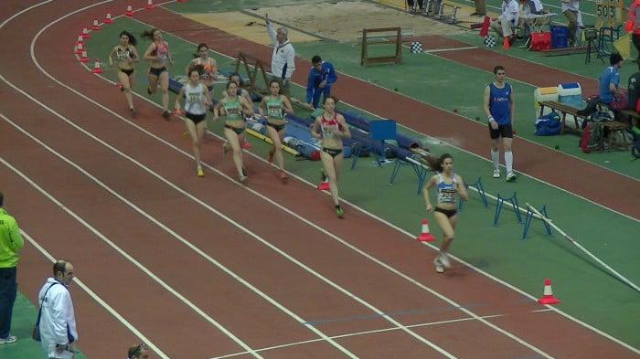 Aina Fornes en la carrera de 800