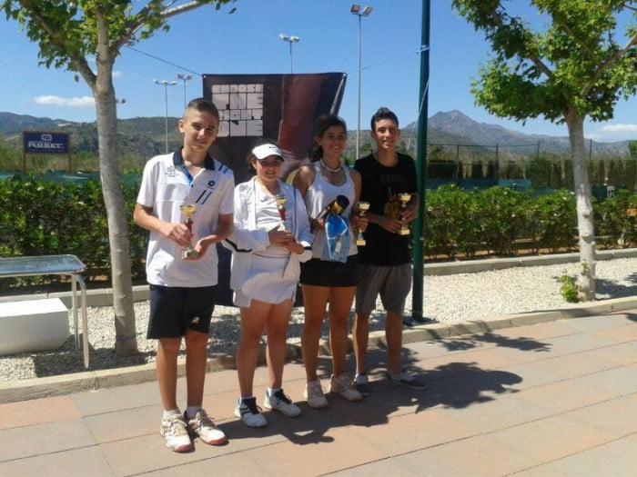 Tennistes del club Tennis Dénia a Gandia