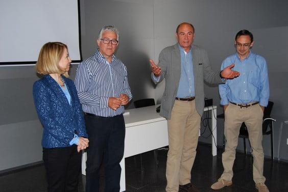 Notdienst Direktor Mercedes Carrasco, Leiter der Marina Asistencial Gesundheit, Dr. Rafael Kammer, dem Präsidenten des SEMES-CV, Javier Millán