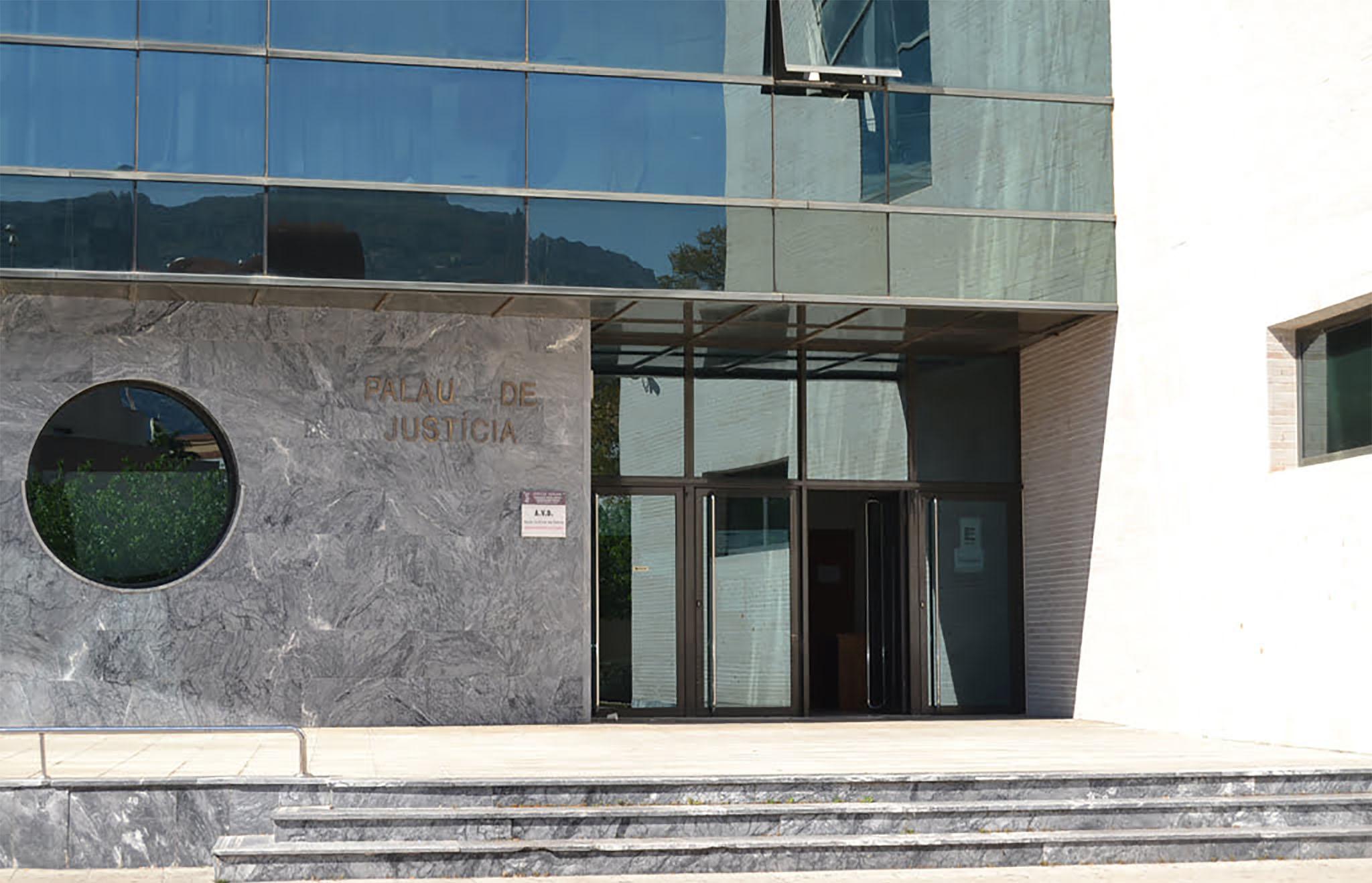 entrée Dénia tribunaux