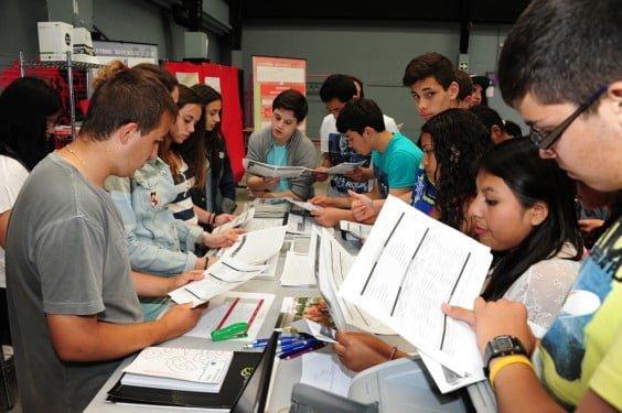 Escolares en la Feria del Estudiante