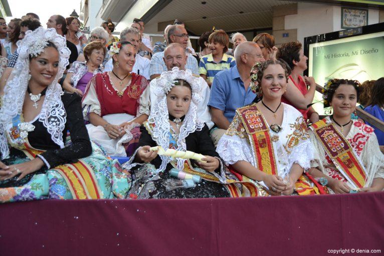 Fiestas de Dénia - Carrozas - Invitadas de honor
