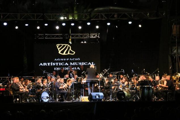 Image: Fiestas de Dénia - Concert du groupe