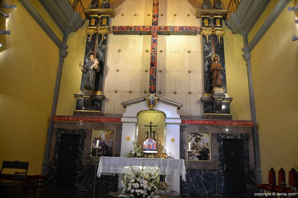Iglesia de San Antonio – Altar