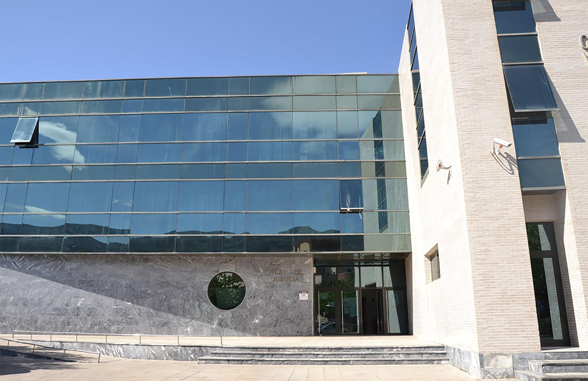 Cour Dénia