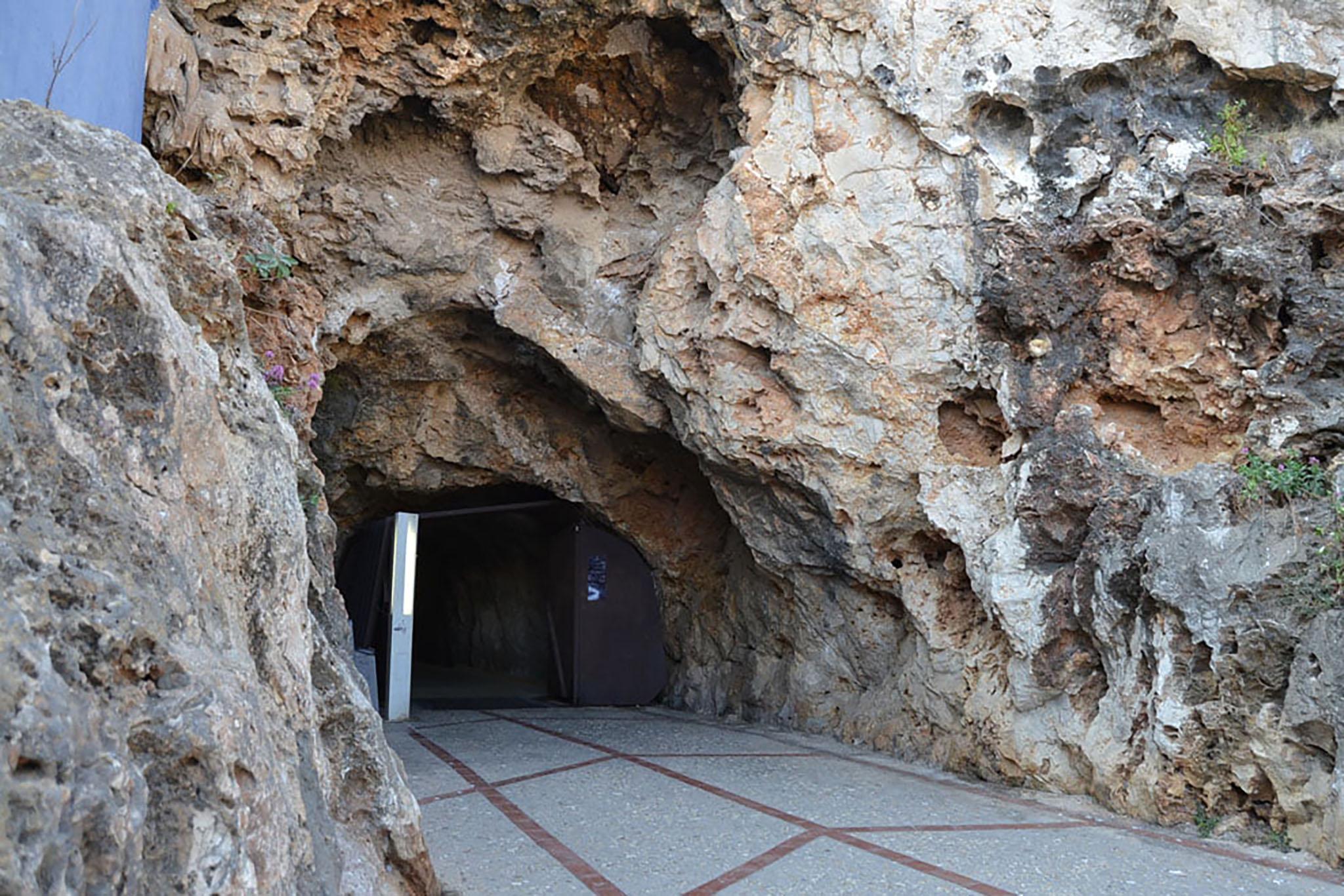 Salida del túnel del Castillo por Ronda Murallas