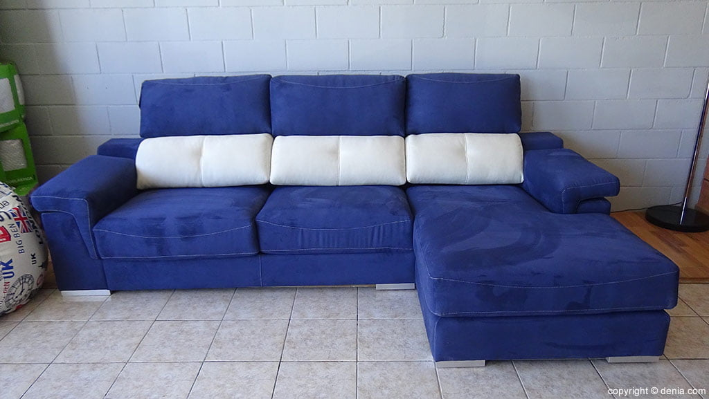 divano bianco e blu