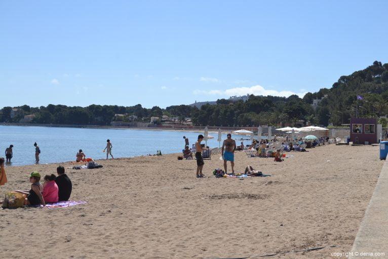 Playa de arena de la Marineta Cassiana