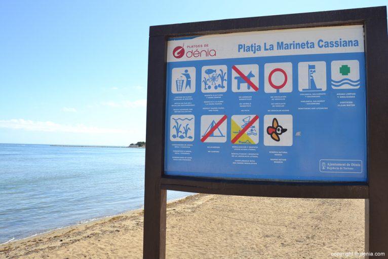 Señalización de la playa de la Marineta