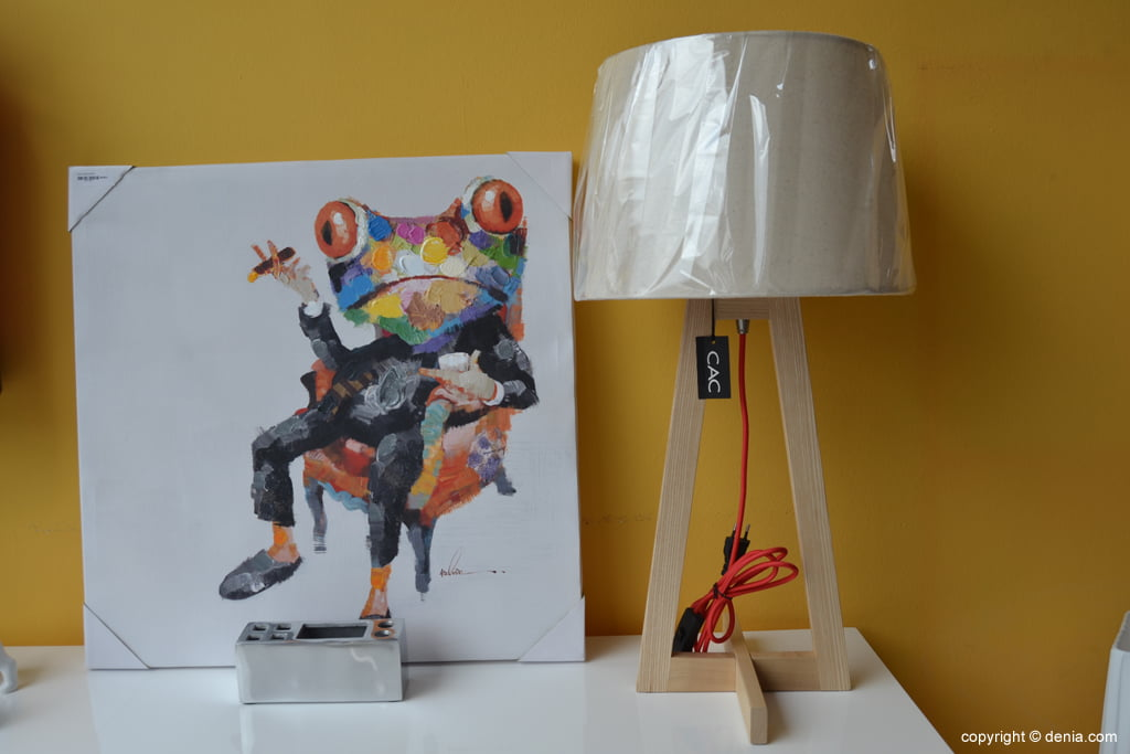 Housit - lamp and picture