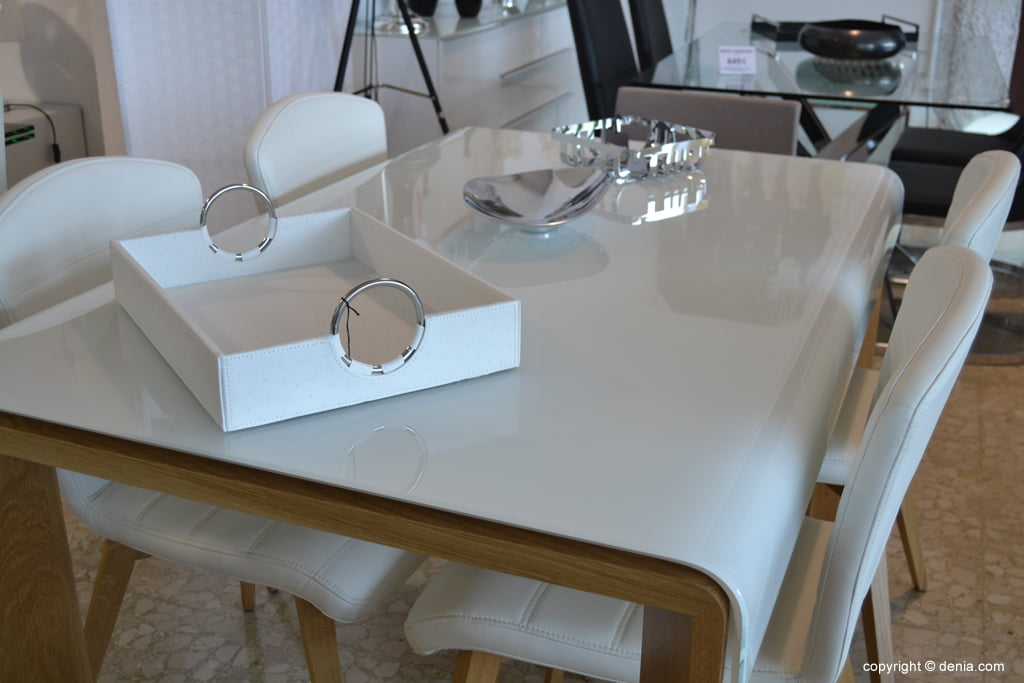 Housit - Dining table