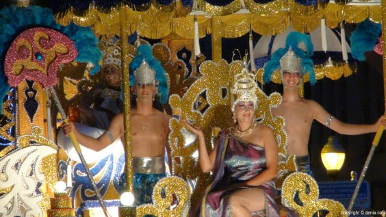 Carroza Falla Roques, ganadora Desfile 2014