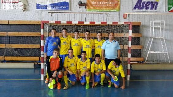 Félix Ortega with his boys from the cadet team