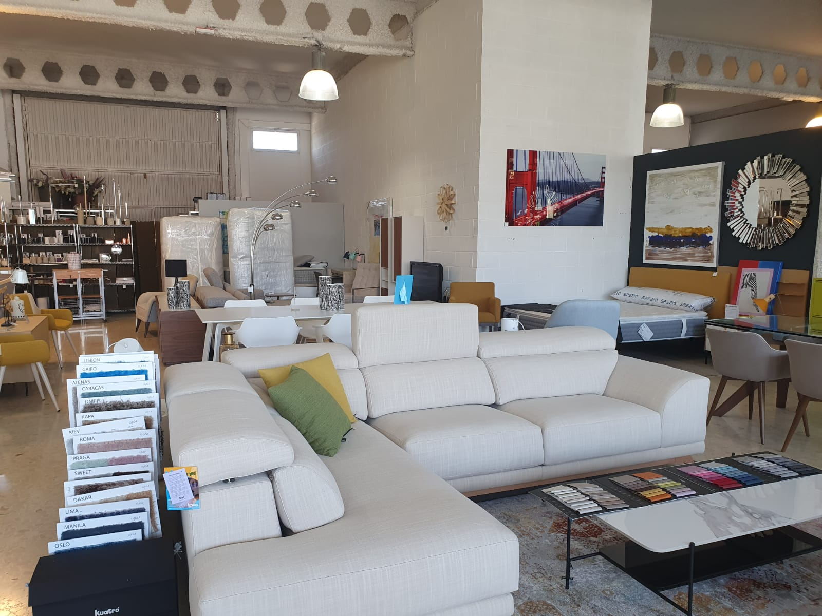 Buy furniture in Dénia - Housit
