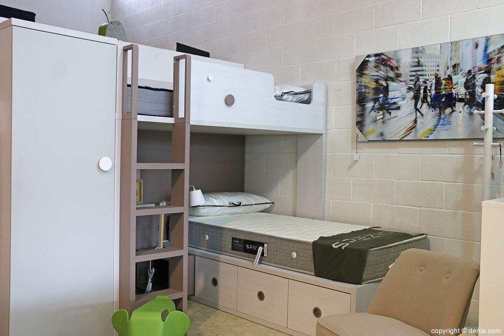 Youth bedroom Housit