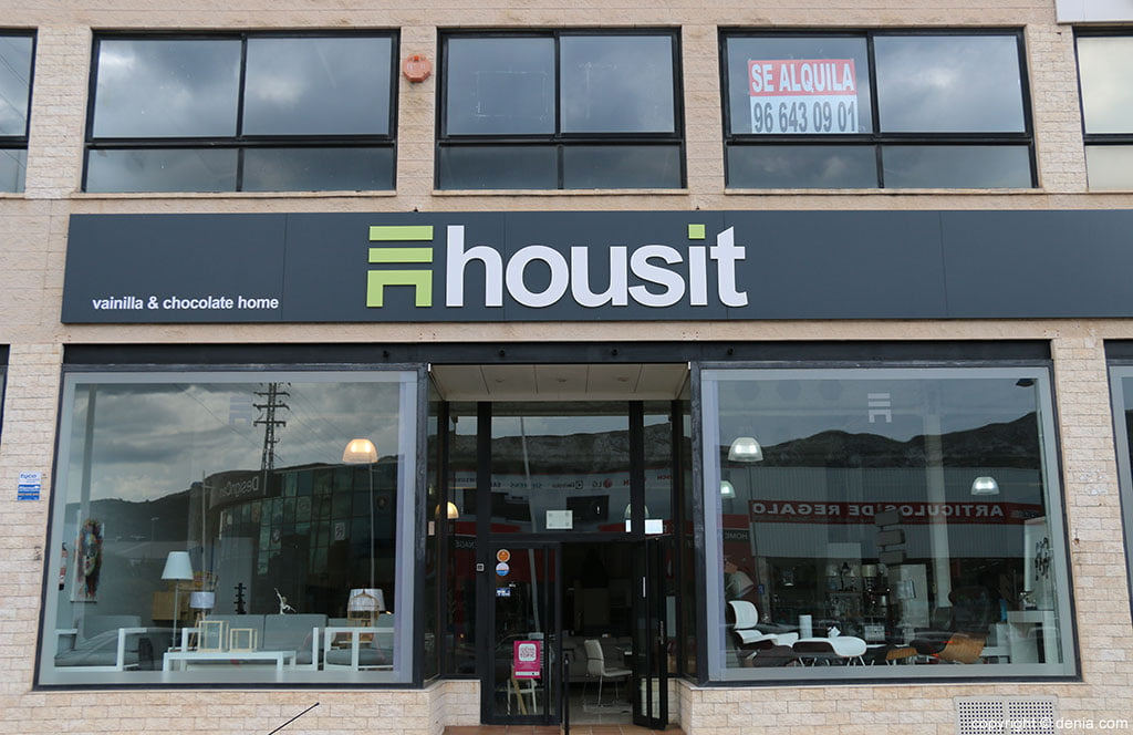 Housit entry