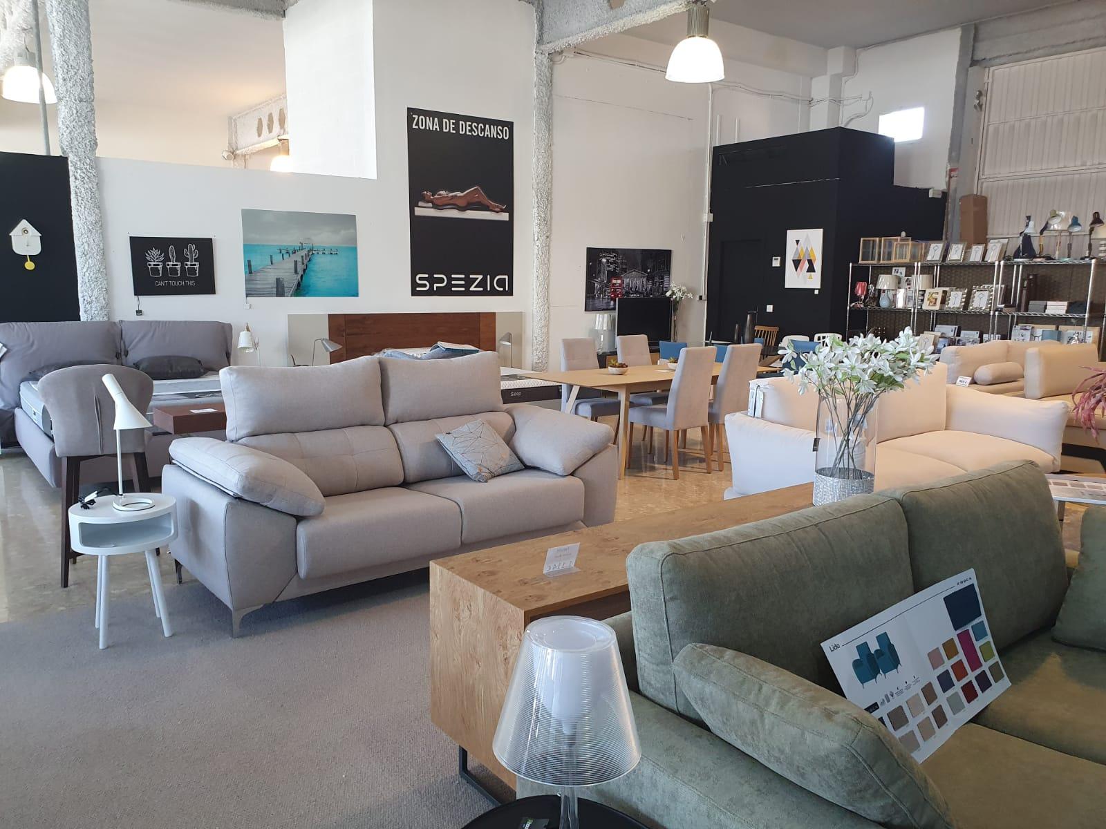 Dénia Furniture - Housit