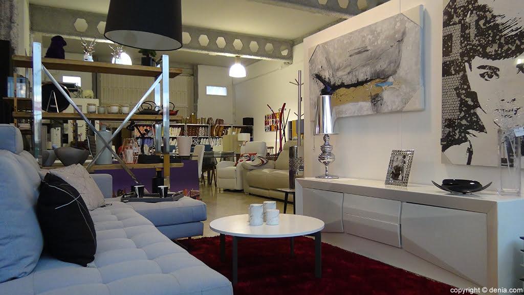 White furniture Housit