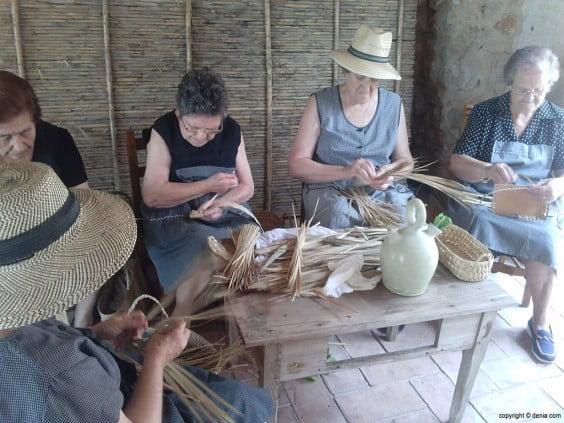 Scheldt 2014 Pansa, ladies working the Llata