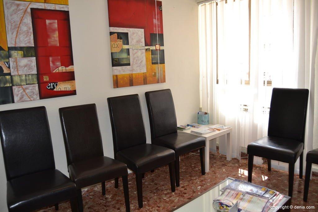 Sala d'espera de la consulta de la doctora Henkel