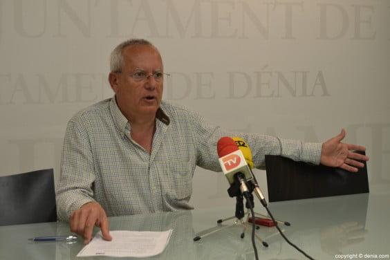 Vicent-Grimalt-portavos-del-PSOE-en-Dénia-564x376
