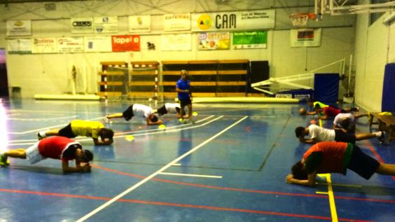 Álex Morales exigente en la preparación física