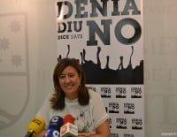 Ana Kringe con el nuevo logo de la campaña