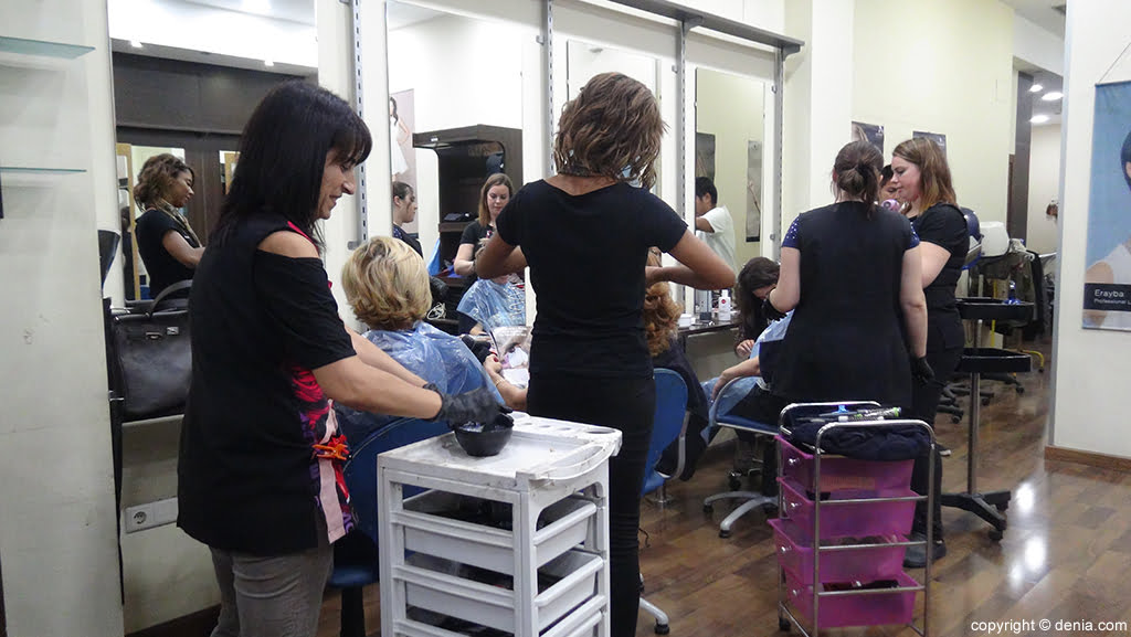 Grup 8 classes de perruqueria