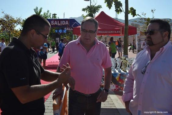 Javier Ygarza con el organizador