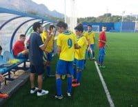 Nando Boluda dando órdenes a sus jugadores