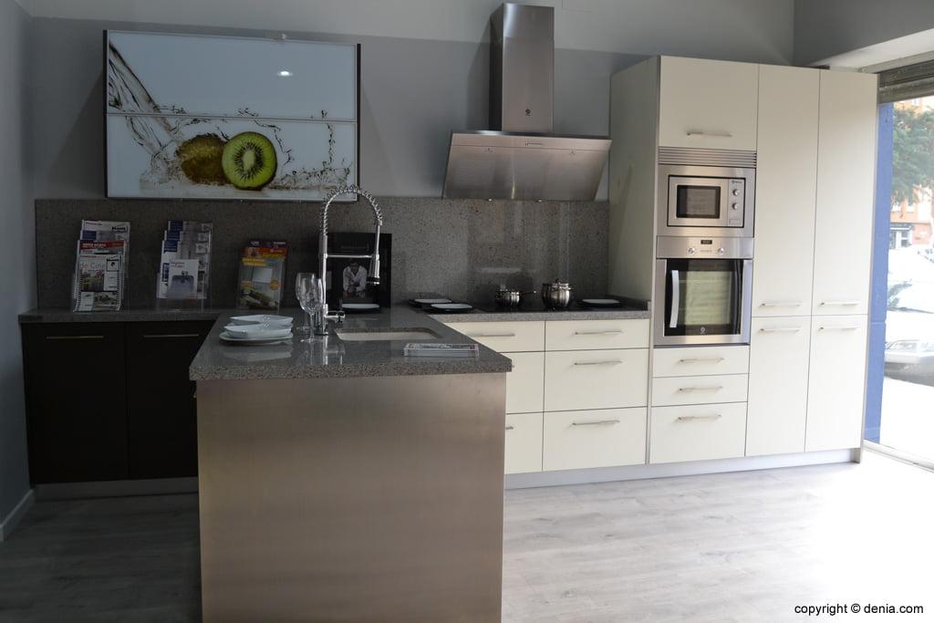 Cocina f cil exposici n en d nia d - Muebles de cocina de exposicion ...