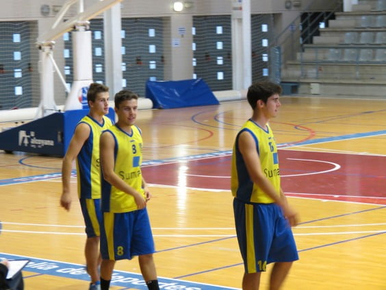 Senior players of the Dénia Basketball