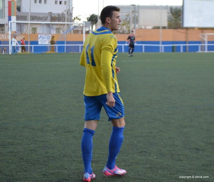 El CD. Dénia hizo un práctico partido en Catarroja (1-3) - denia.com