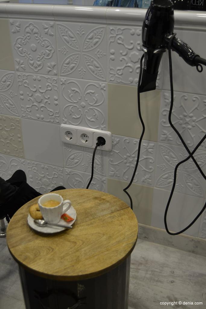 Peluquería La Mode – café para las clientas