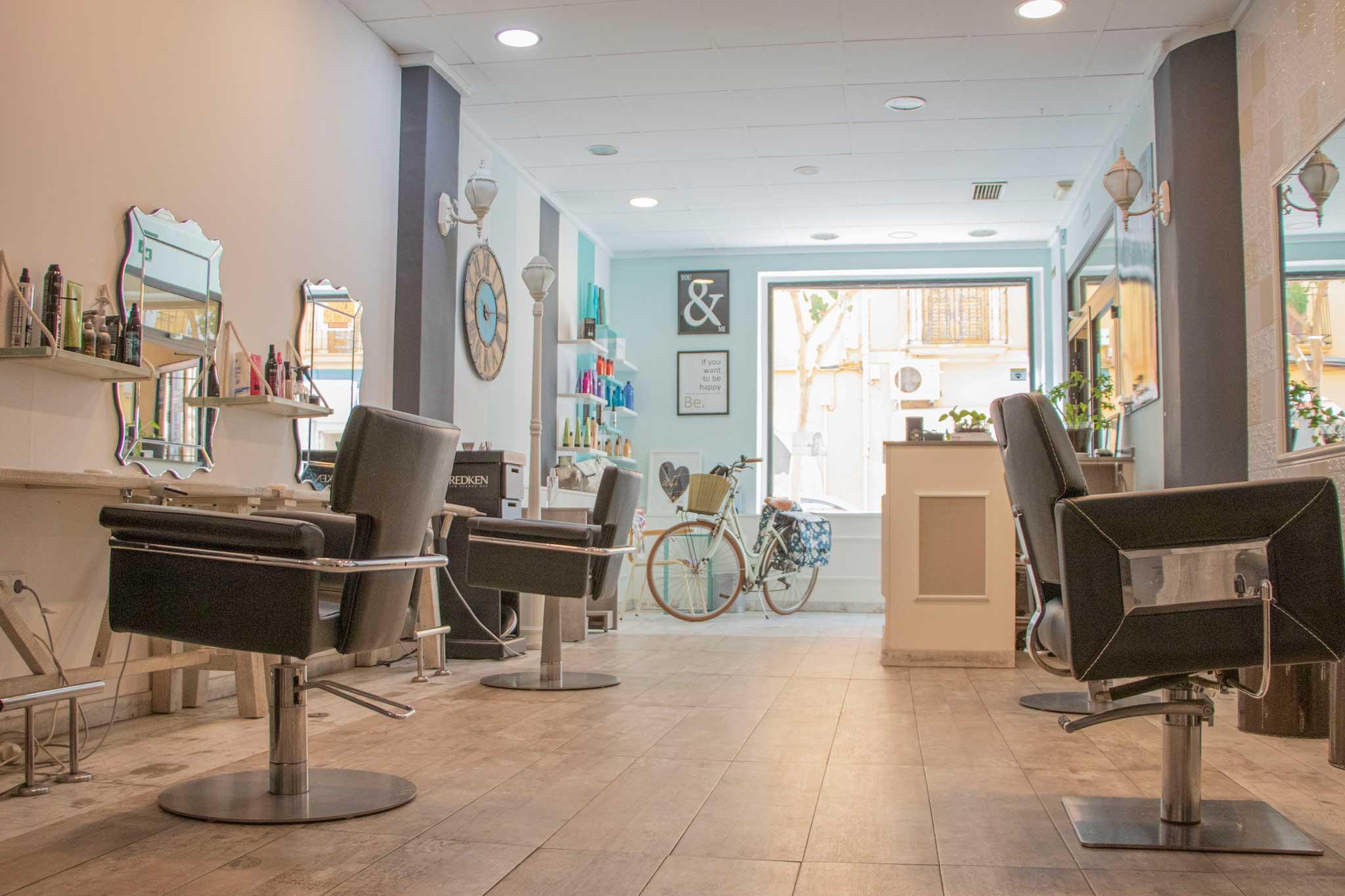 Salon de peluqueria Denia – Peluquería La Mode