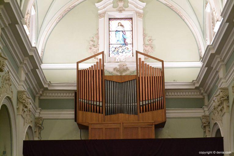 Iglesia de Nuestra Señora de la Asunción - órgano