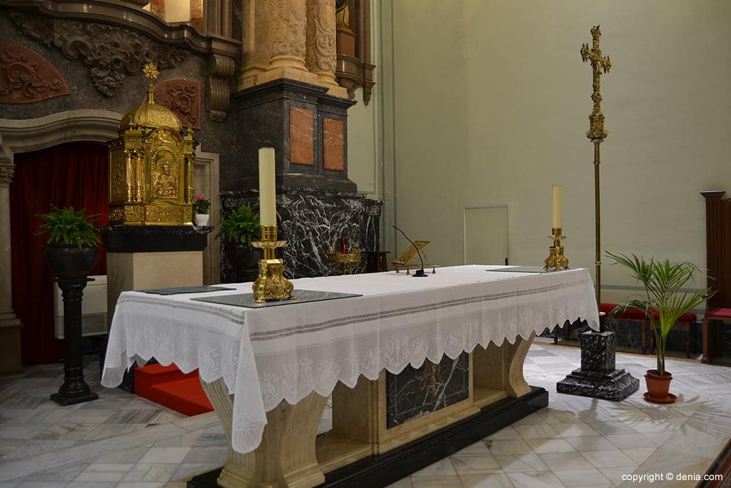 Iglesia de Nuestra Señora de la Asunción – detalle del altar