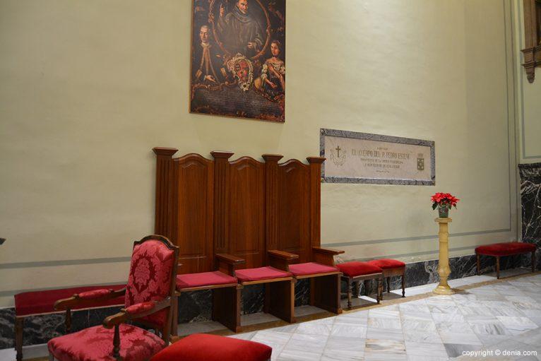 Iglesia de Nuestra Señora de la Asunción - lateral del altar