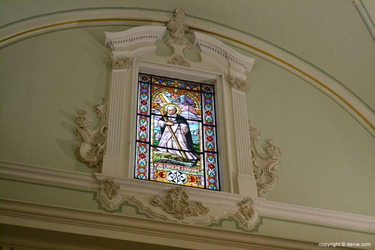 Iglesia de Nuestra Señora de la Asunción - vidriera