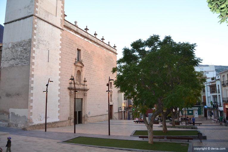 Iglesia de la Asunción - Plaza